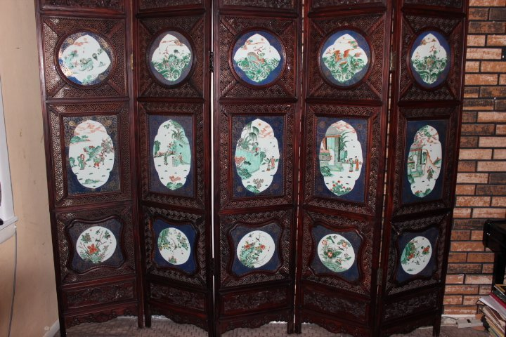 huge Antique Chinese porcelaian rosewood screen