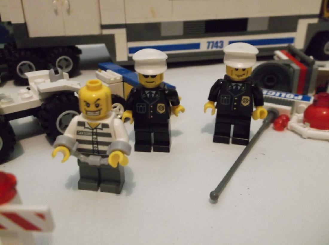 2008 Lego Brand City Set Police Hauler & Minifig Set - 3