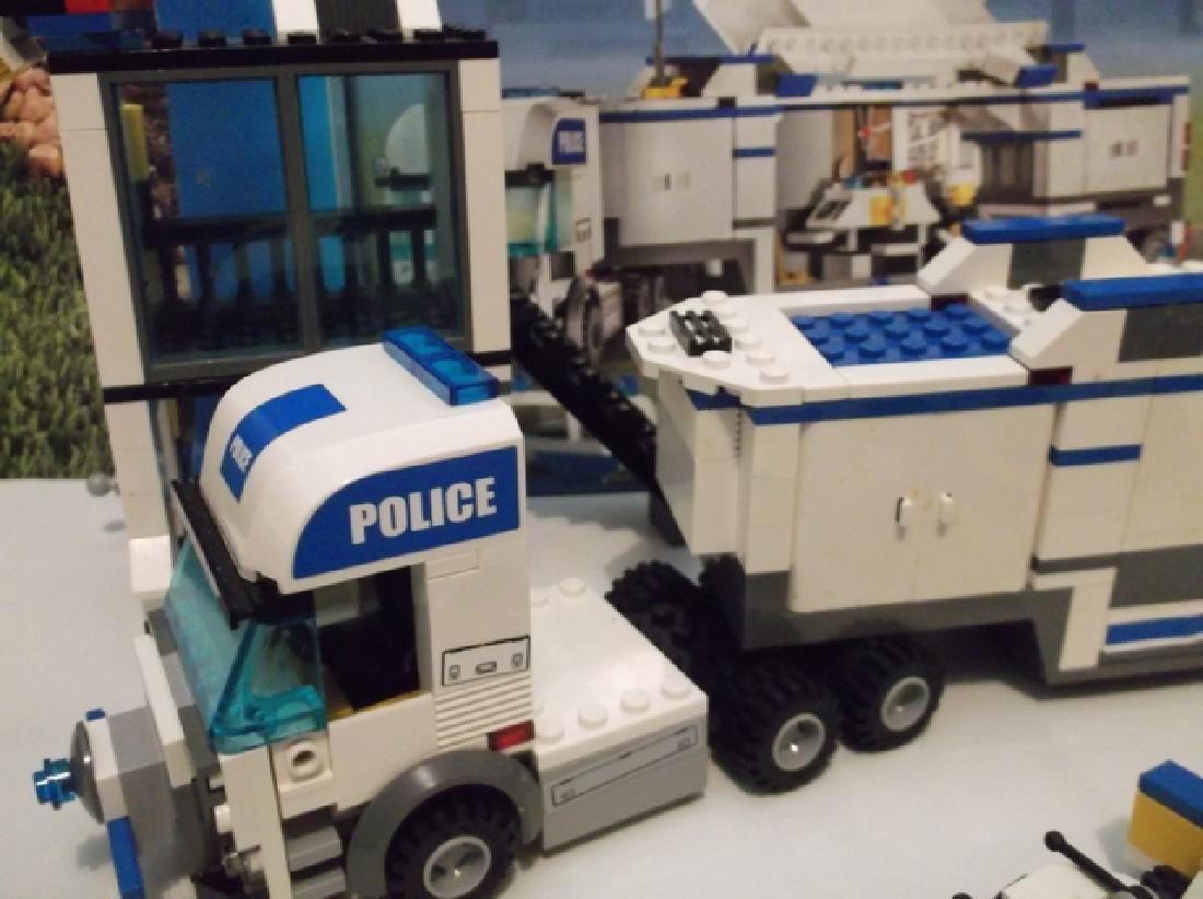 2008 Lego Brand City Set Police Hauler & Minifig Set - 5