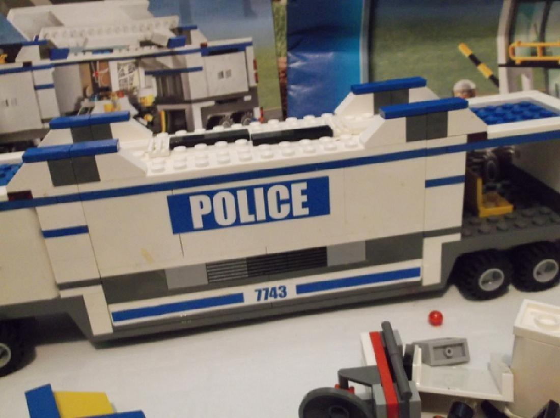 2008 Lego Brand City Set Police Hauler & Minifig Set - 6