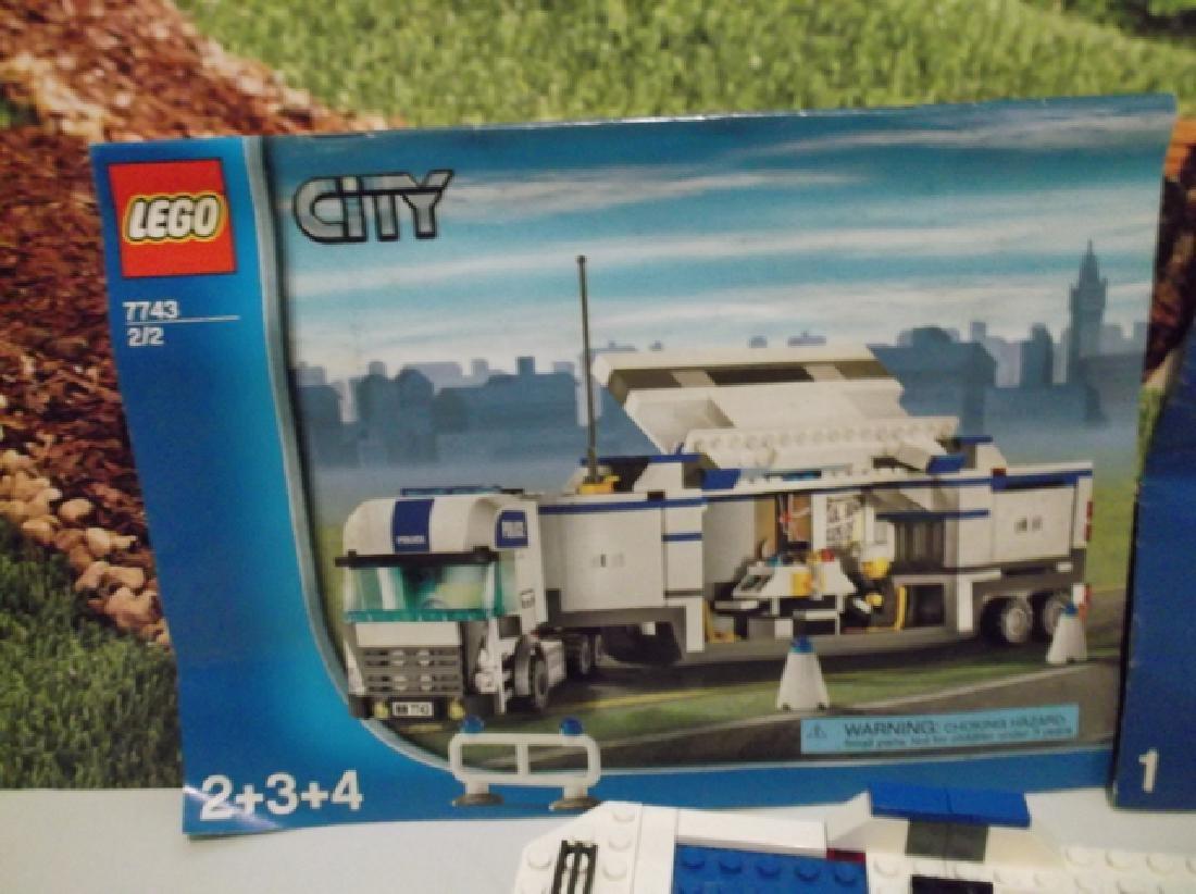 2008 Lego Brand City Set Police Hauler & Minifig Set - 8