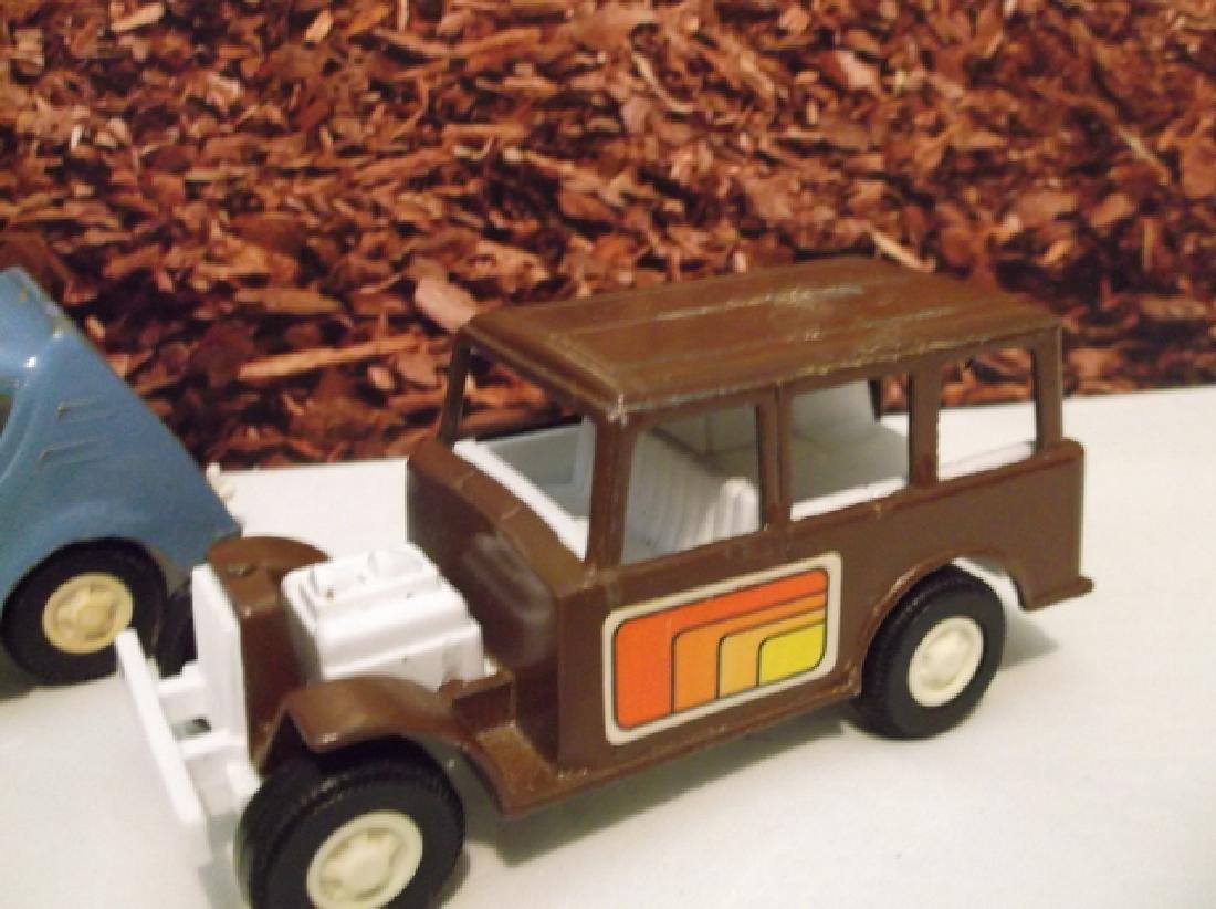 2 Vintage 1970s Metal Tootsie Toy Cars 4 Inch Large - 2