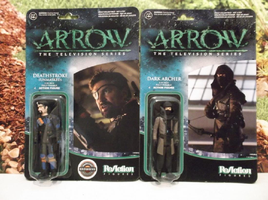 2 Green Arrow Actions Figures MOC Deathstroke Dark