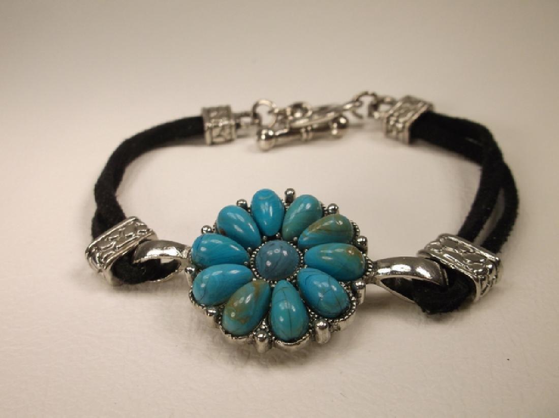 Stunning Leather Band Turquoise Southwest Bracelet 8.5