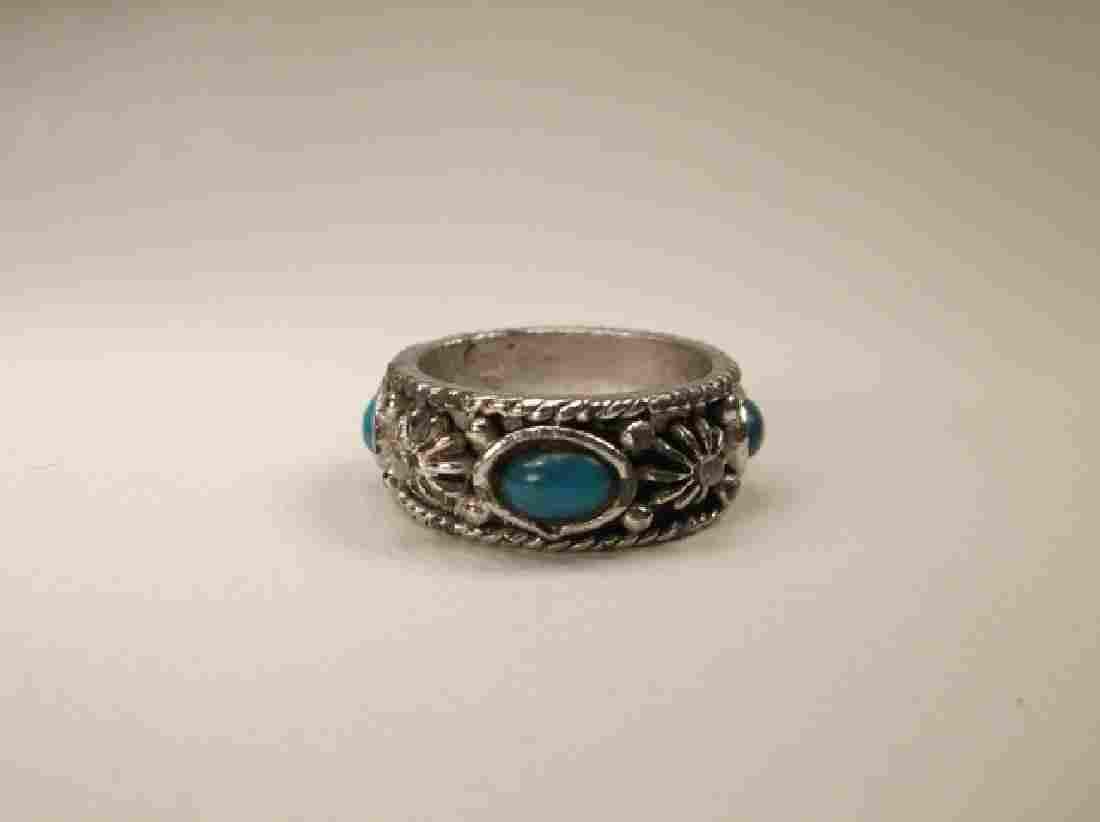 Beautiful Vintage Silvertone Southwest Ring in Size 7