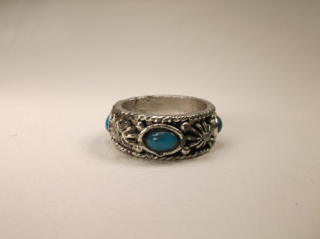 Beautiful Vintage Silvertone Southwest Ring in Size 7
