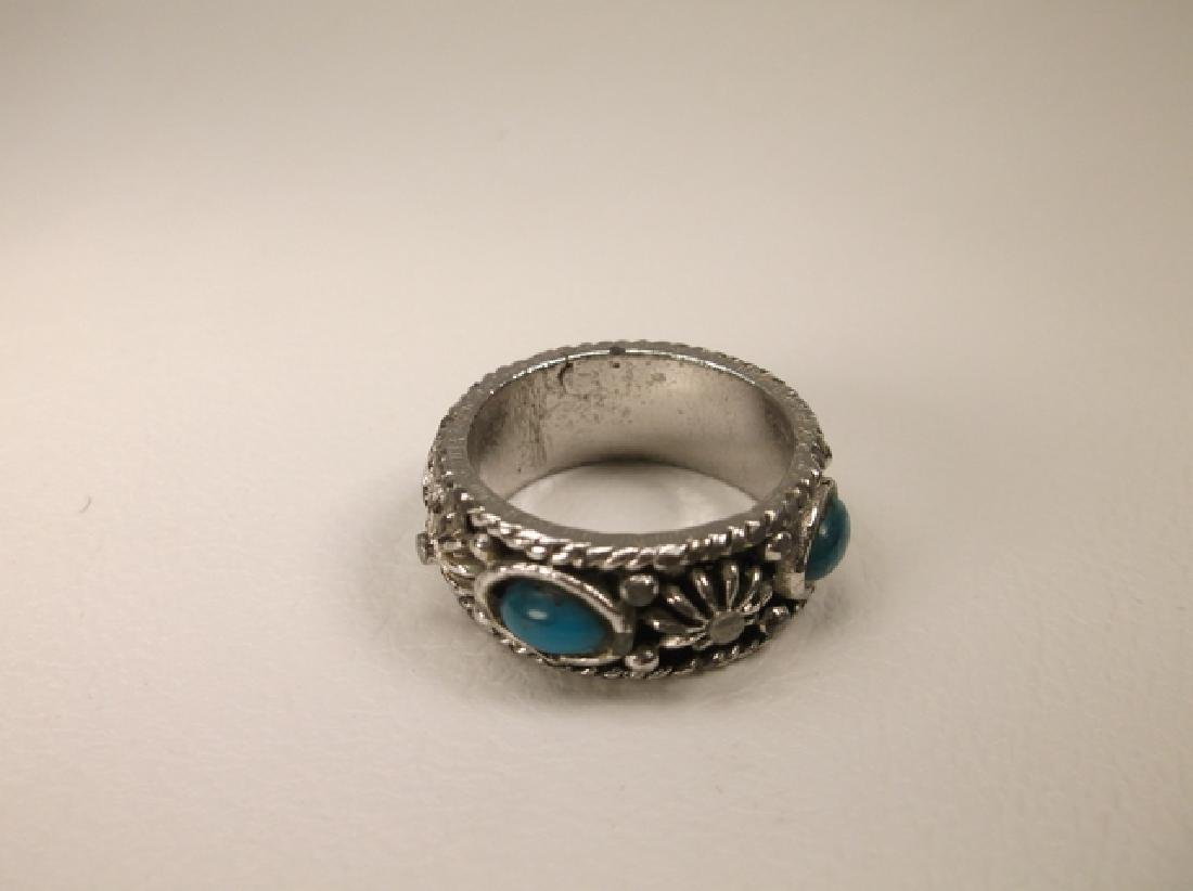 Beautiful Vintage Silvertone Southwest Ring in Size 7 - 2