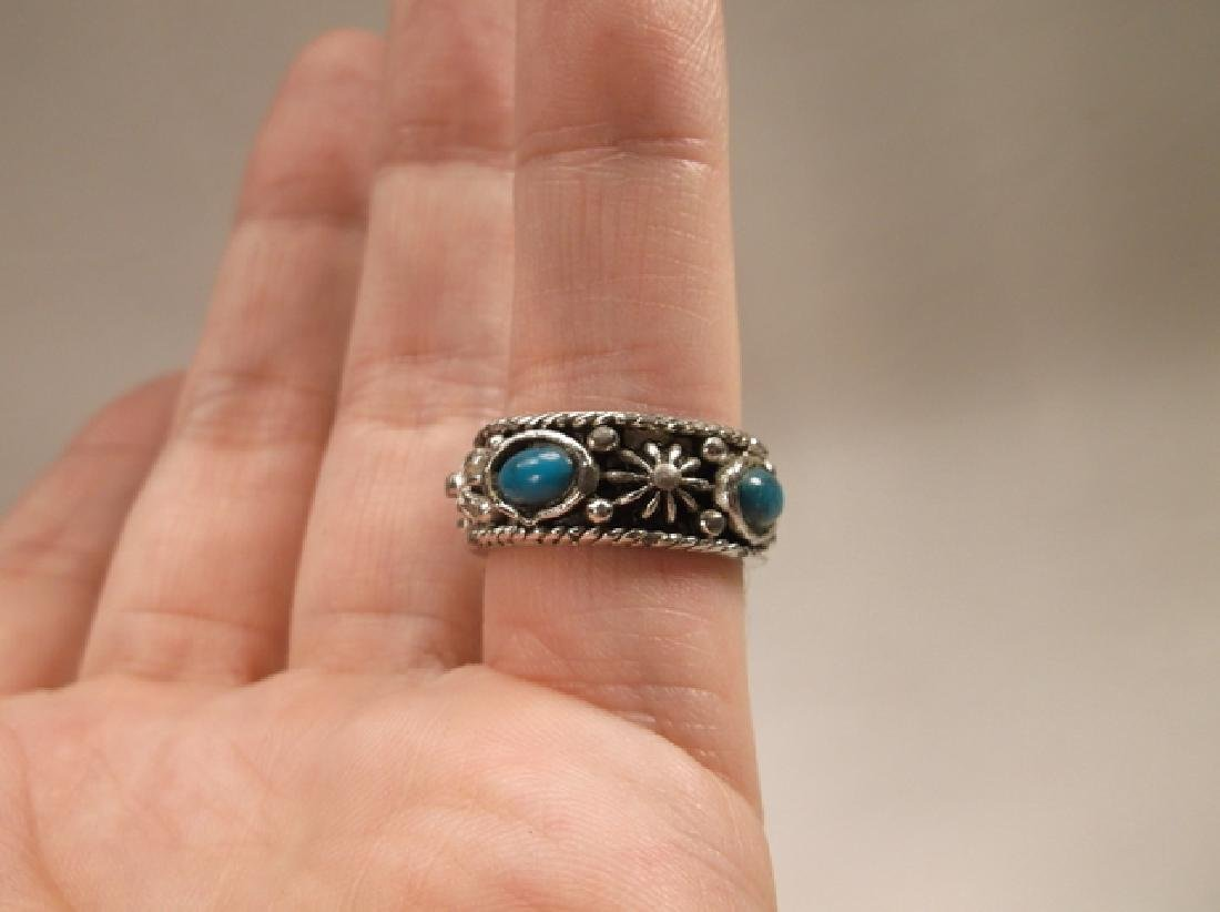 Beautiful Vintage Silvertone Southwest Ring in Size 7 - 3