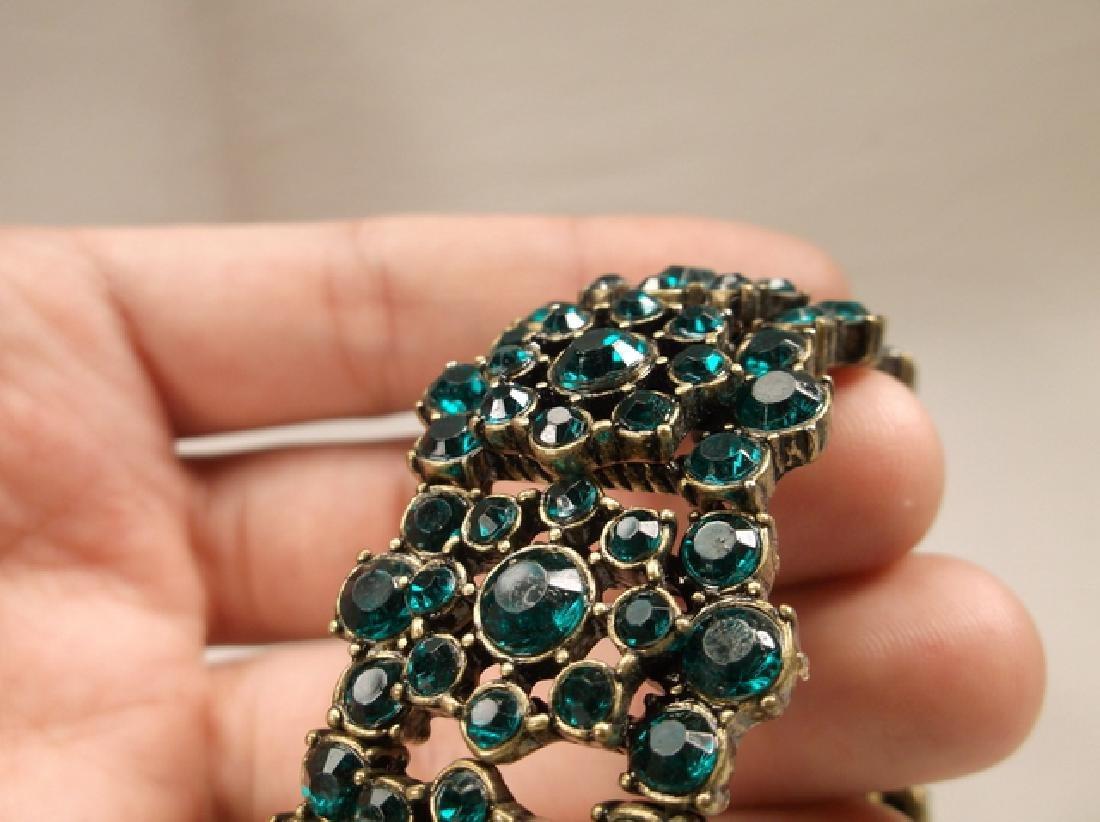 Gorgeous Green Rhinestone Stretch Bracelet - 3