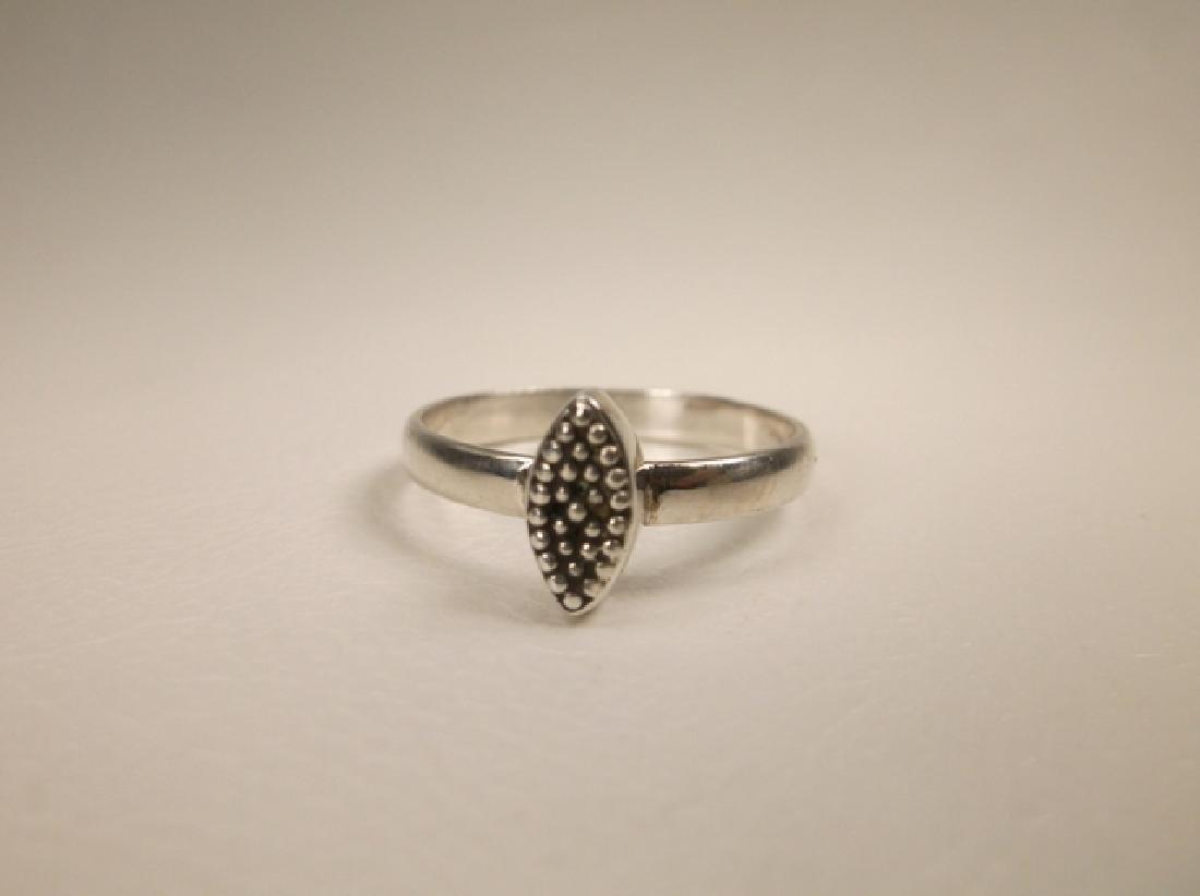 Gorgeous Sterling Silver Dot Ring in Size 7 - 2