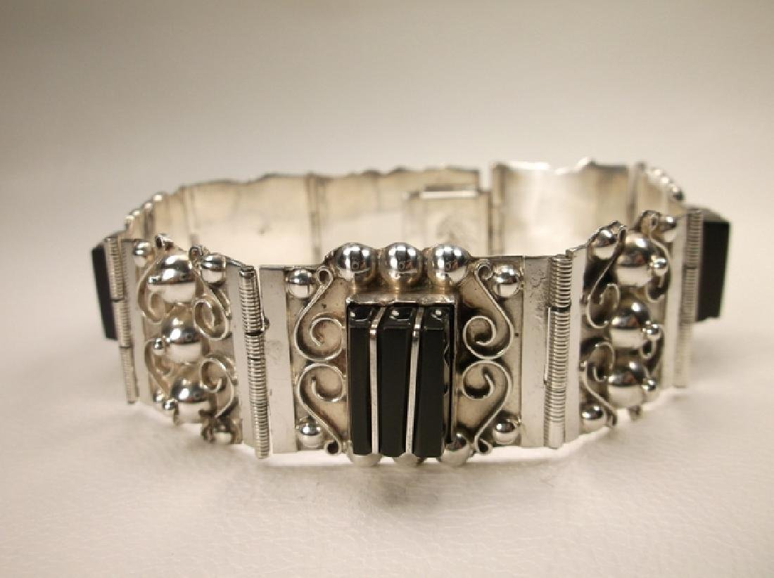 Stunn Antique Taxco Sterling Silver Onyx Panel Bracelet - 2