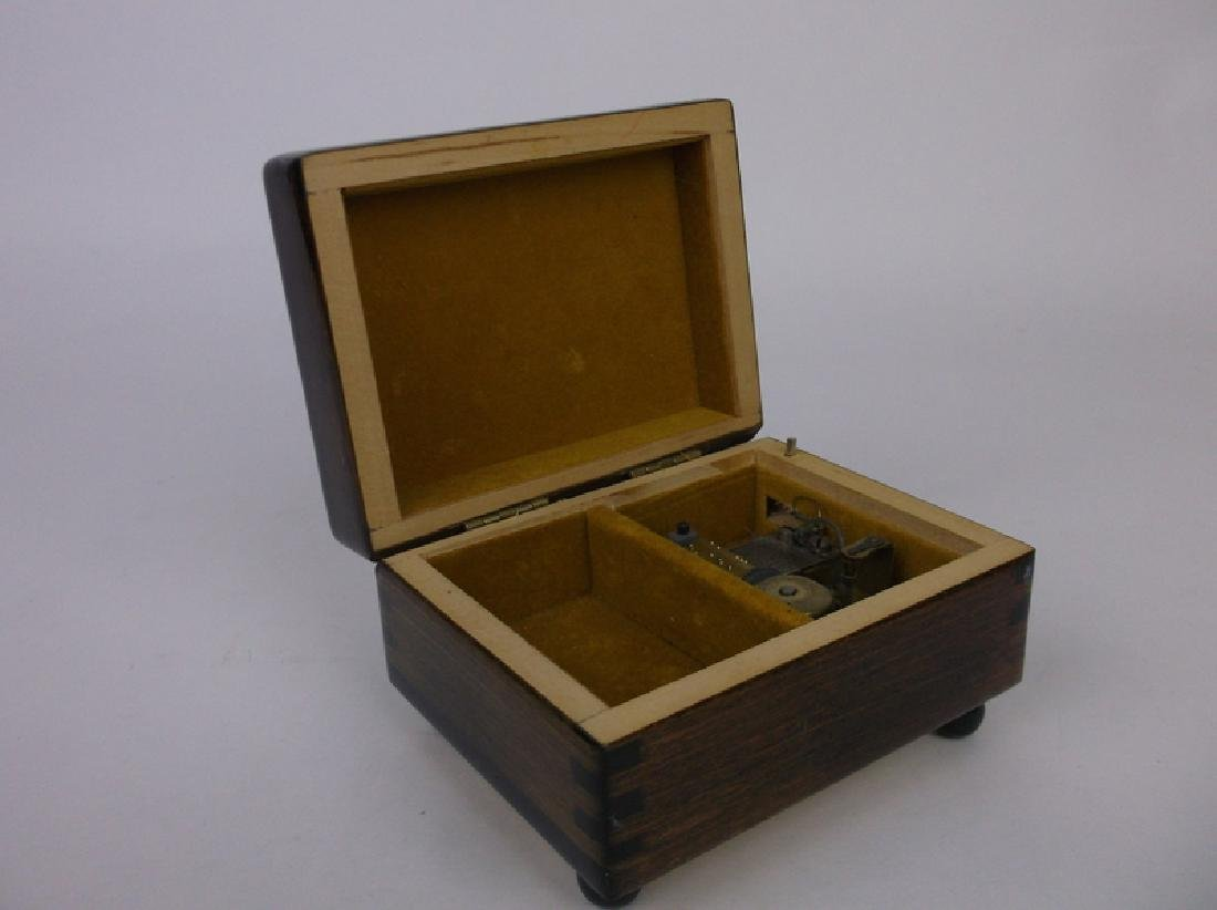 Gorgeous Reuge Owl Music Box Dovetailed - 4