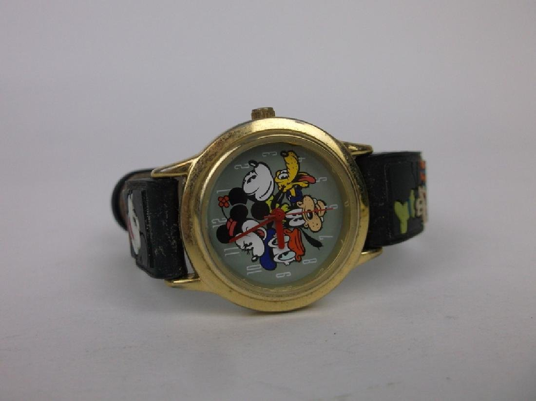 Disney Mickey Mouse Wristwatch Works Great