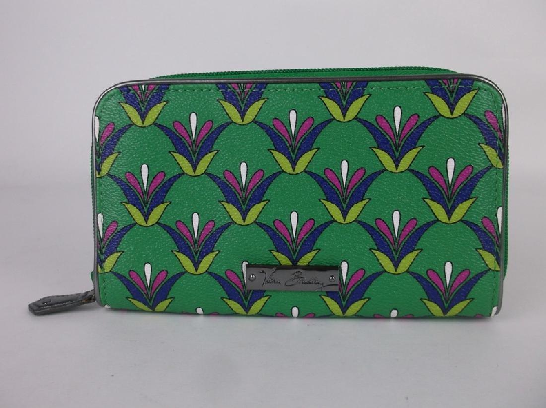Gorgeous Vera Bradley Green Wallet