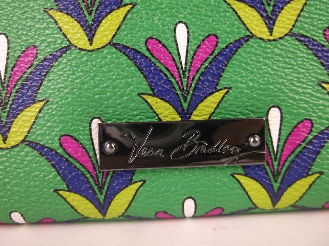 Gorgeous Vera Bradley Green Wallet - 2