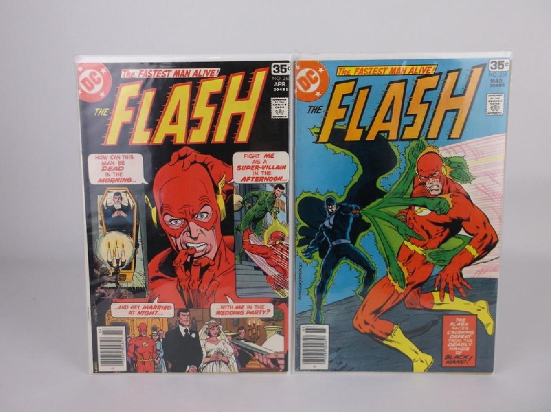 2 Nice 1978 DC The Flash Comic Books