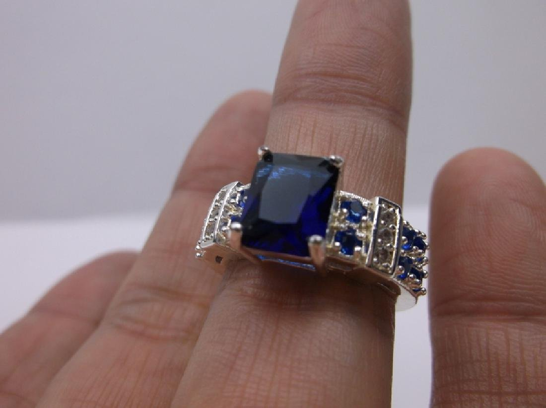 Stunning Sterling Silver Blue Stone Ring 8
