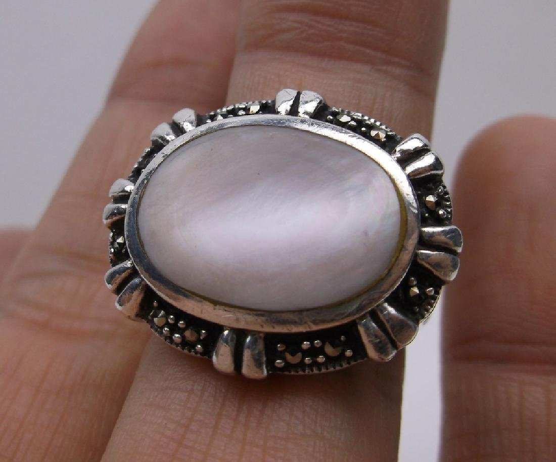 Gorgeous Large Sterling Silver MOP Ring 7