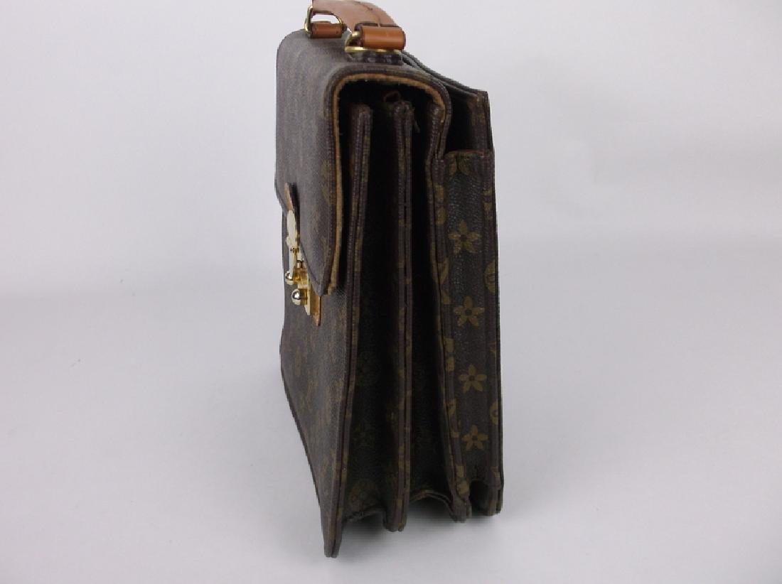 Gorgeous Louis Vuitton Leather Handbag Purse Side Opens - 2