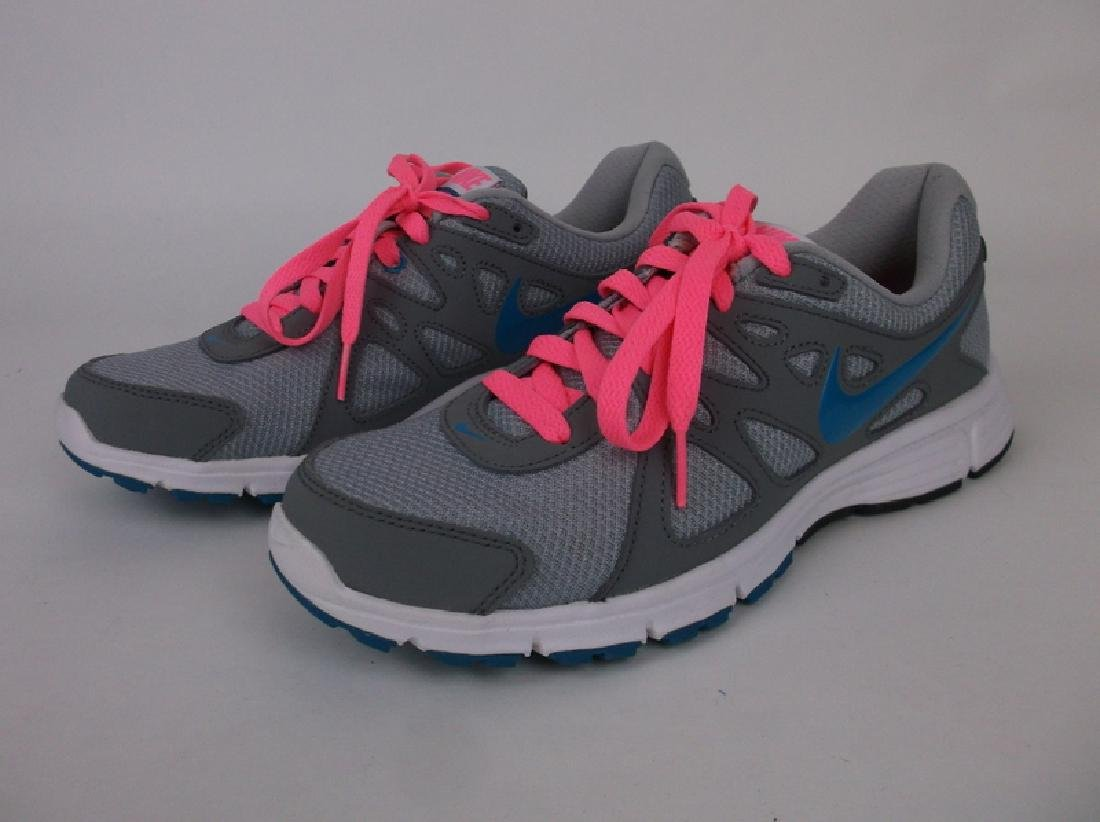 New Womens Nike Revolution 2 Shoes Size 9