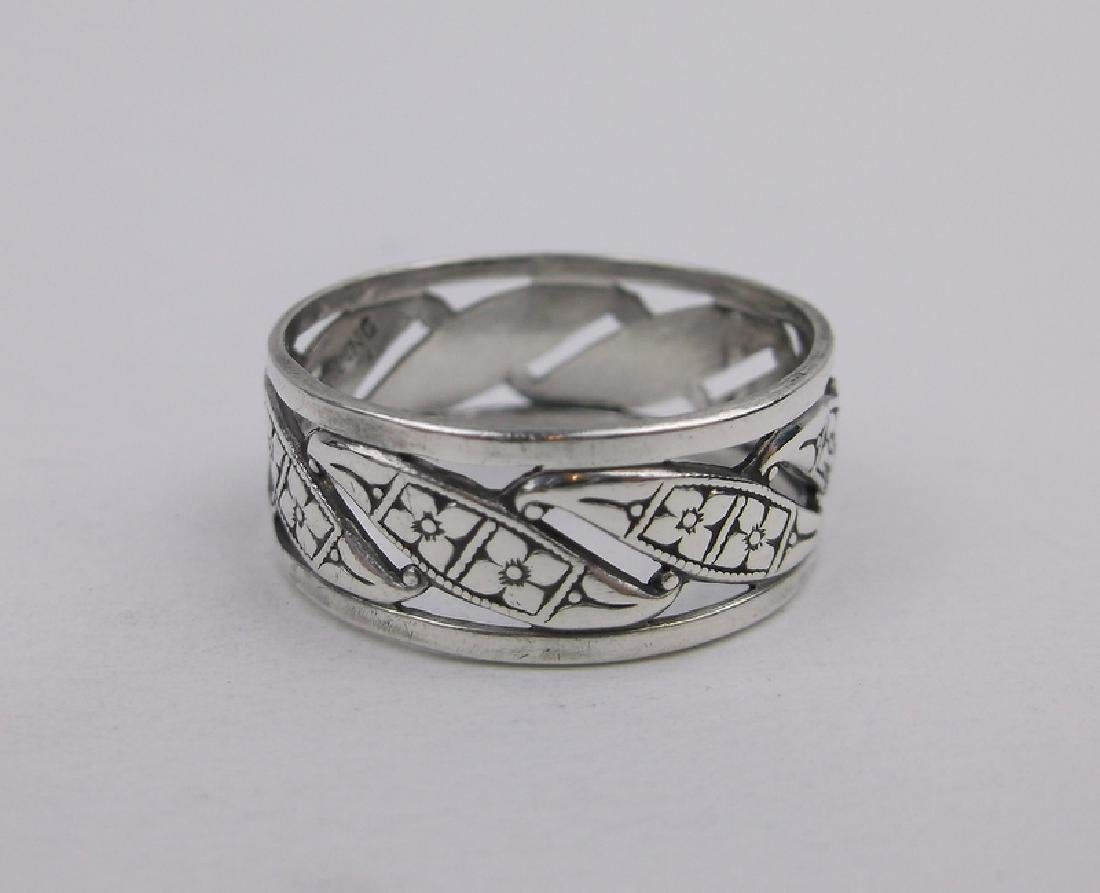 Stunning Antique Sterling Silver Band Ring 7