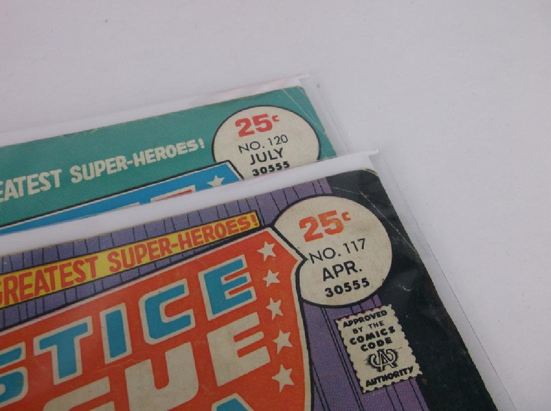 2 1975 DC Justice League Comic Books - 2