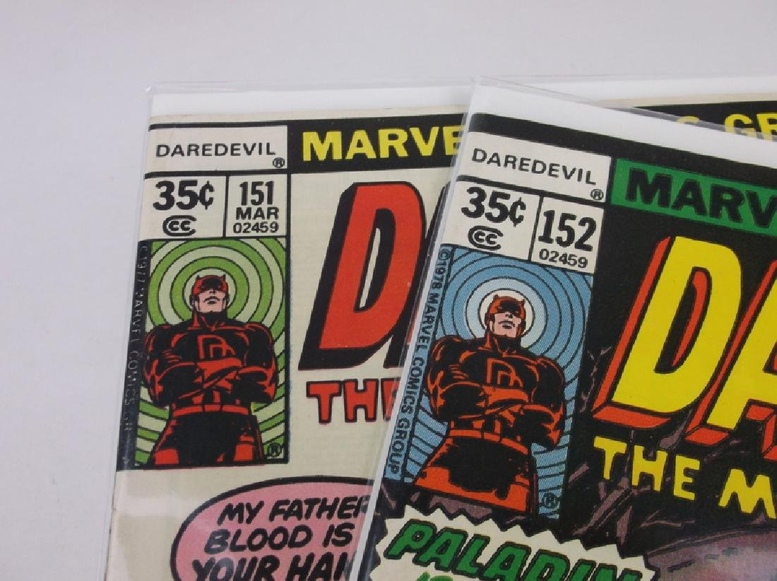 2 Nice 1977-78 Daredevil Comic Books Marvel - 2