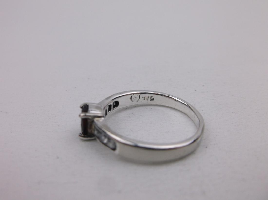Stunning Sterling Silver Garnet Ring 6 - 2
