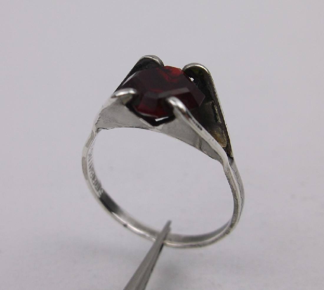 Gorgeous Vint Sterling Silver Red Stone Ring 7