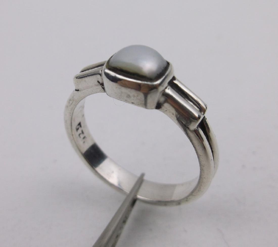Gorgeous Sterling Silver MOP Ring 6.5