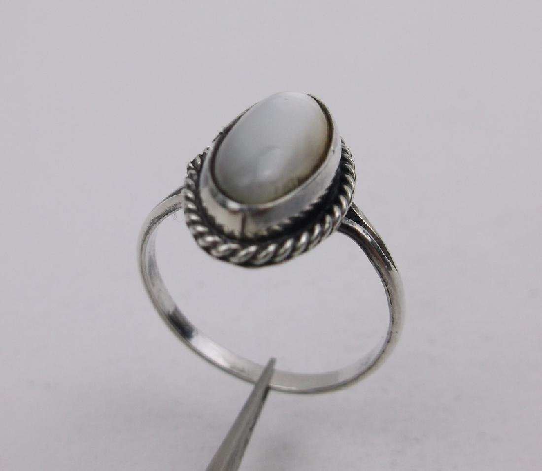 Gorgeous Navajo Sterling Silver MOP Ring 5.5