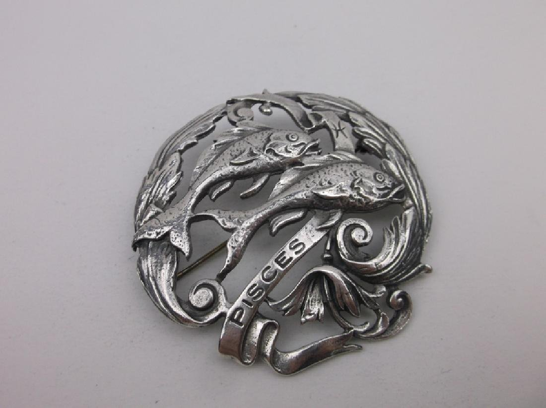 1960s Peruzzi Sterling Large Pisces Fish Brooch Pendant - 2