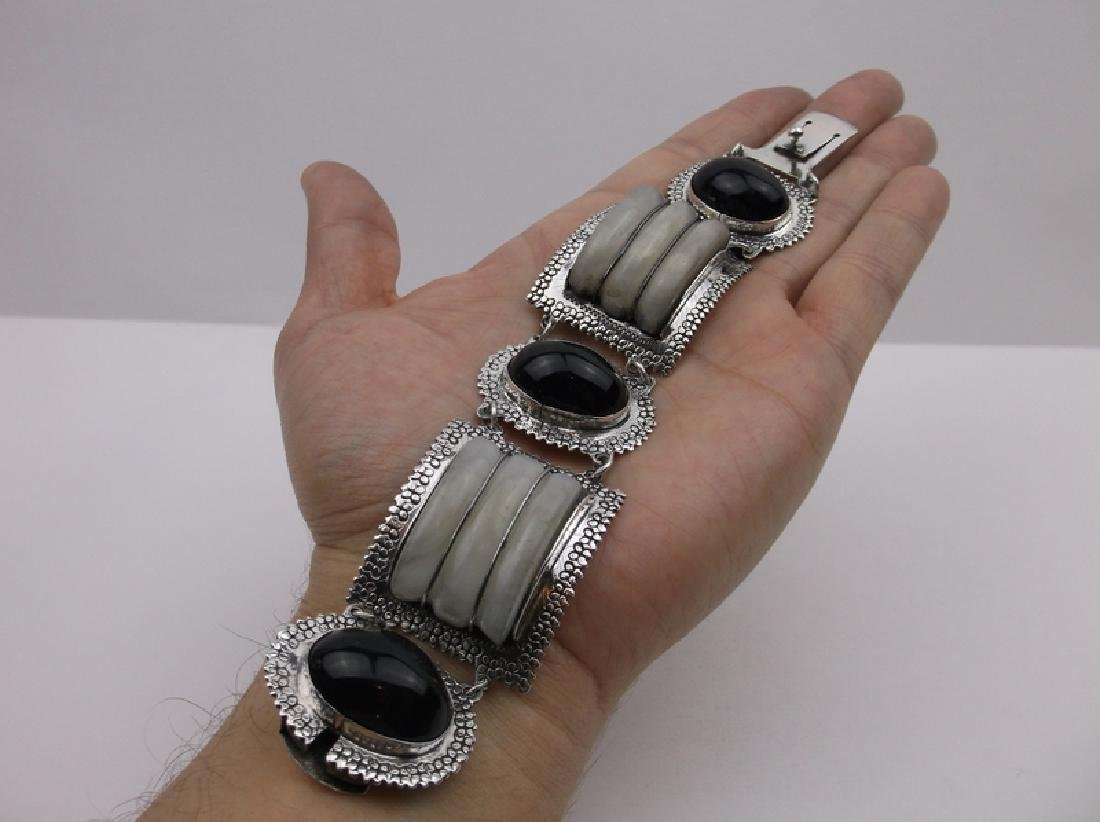 Incredible Taxco Sterling Onyx Rock Crystal Bracelet - 3