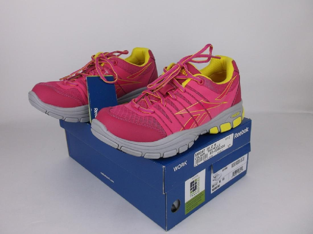 New In Box Reebok Womens Shoes 10 Pink