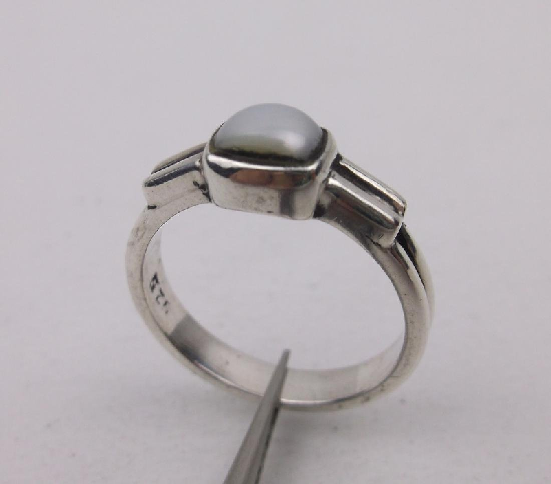 Stunning Sterling Silver MOP Ring 6.5