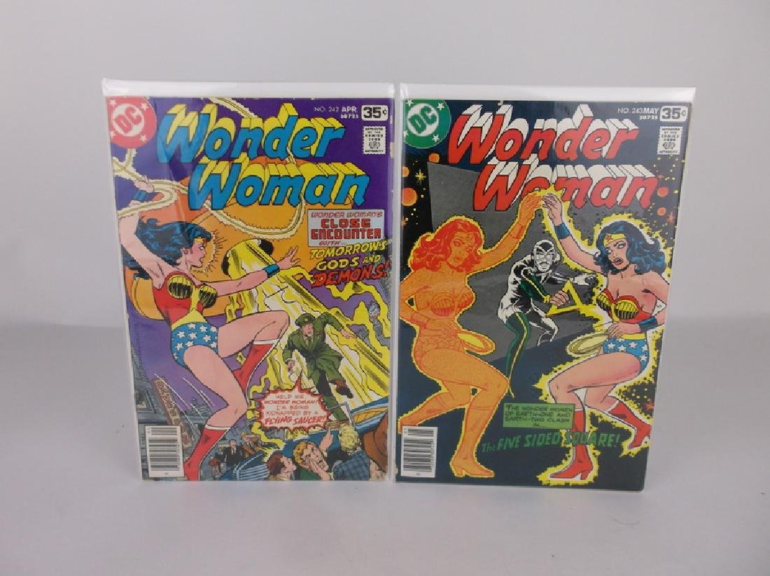2 Nice 1970s DC Wonder Woman Comic Books