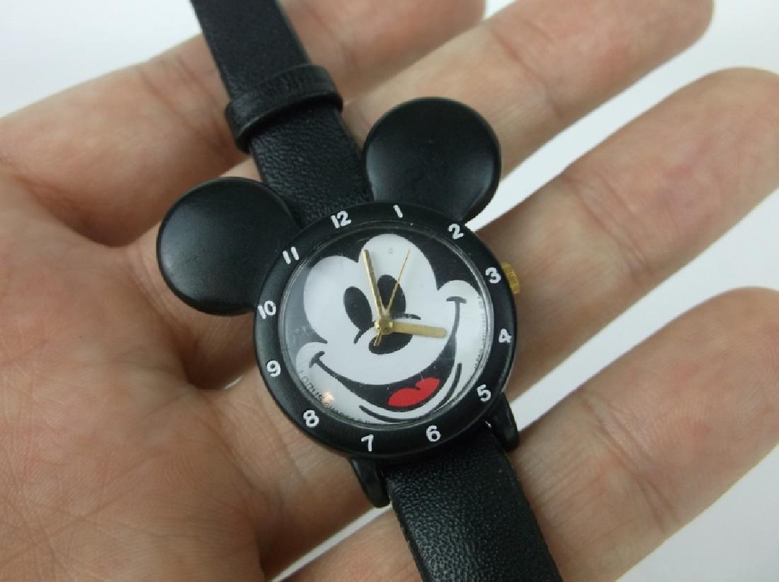 Nice Disney Lorus Mickey Mouse Wristwatch - 2