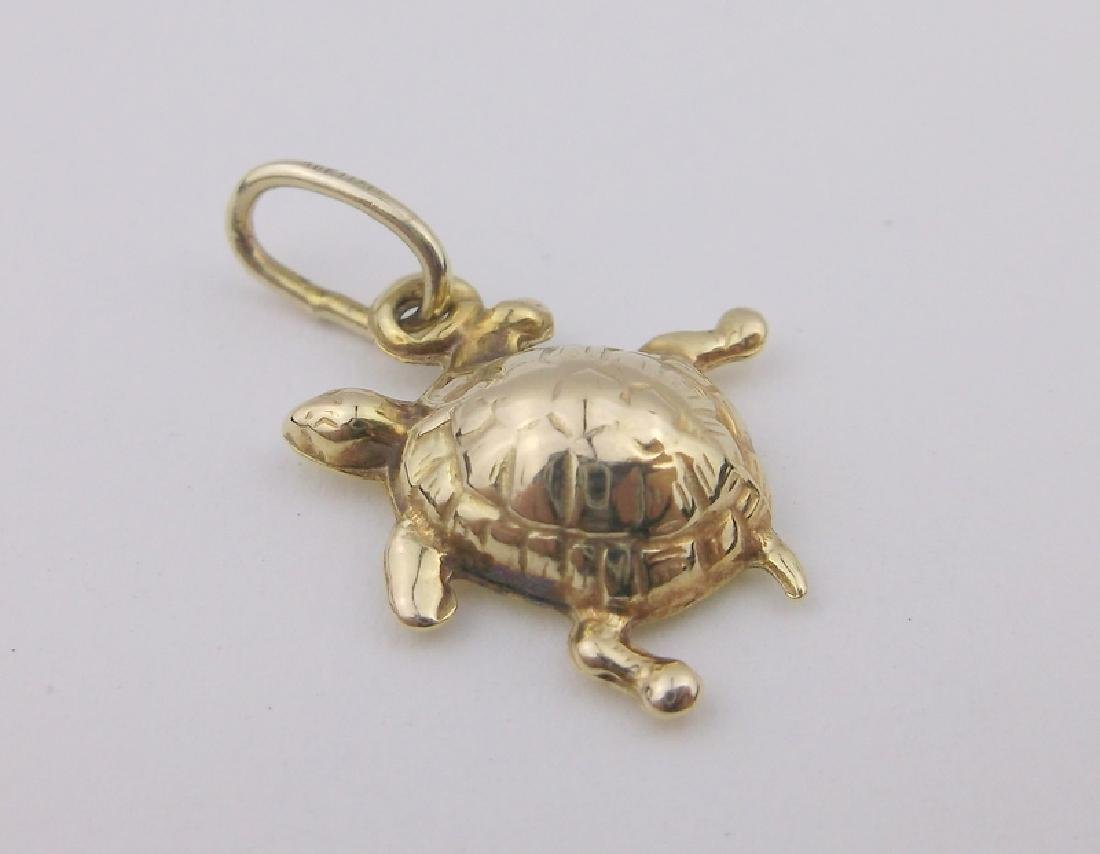 Stunning 10kt Gold Solid Turtle Pendant