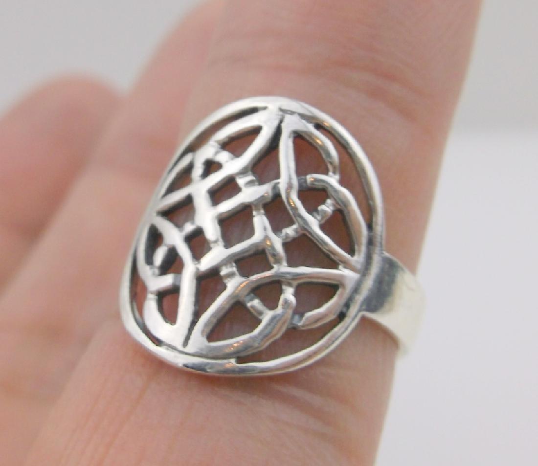 Stunning Sterling Silver Keltic Ring 7