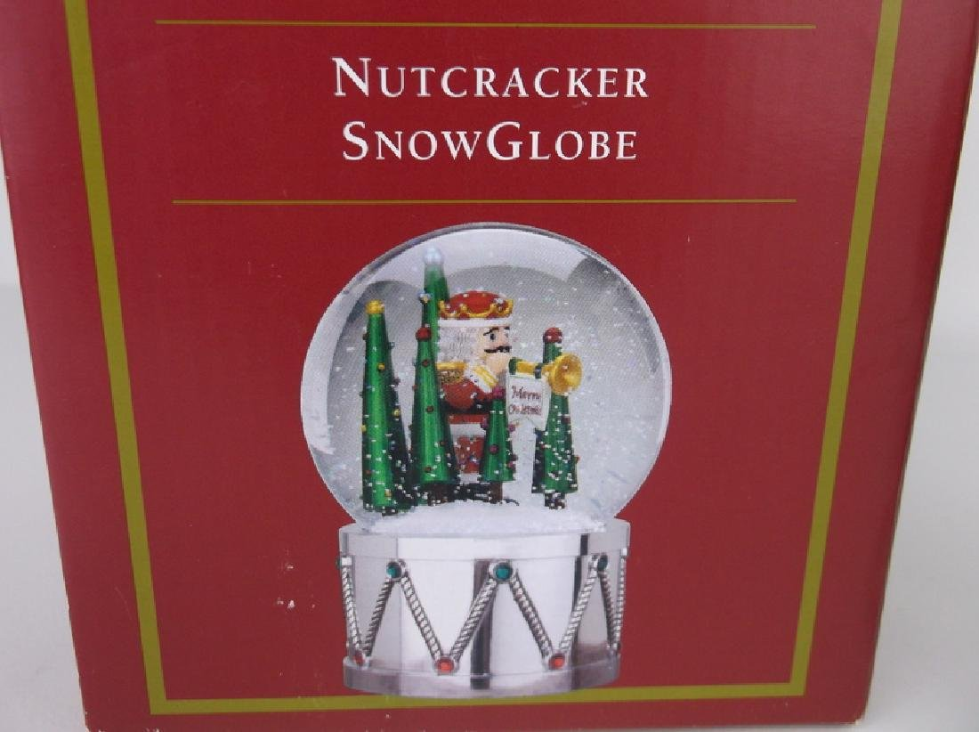 New Stunning Nutcracker Snowglobe Musical - 3