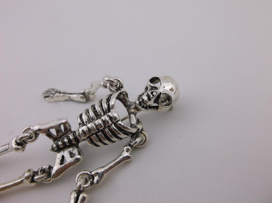Stunning Large Moving Skeleton Brooch - 2
