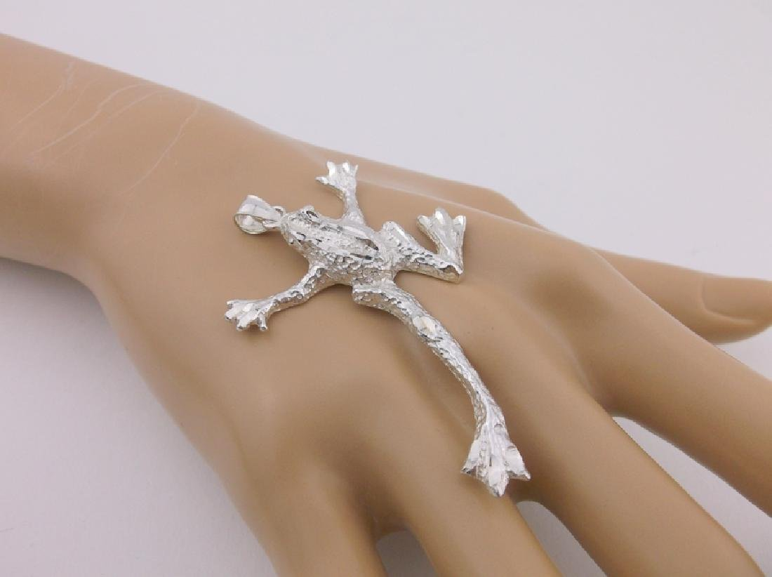Stunning Large Sterling Silver Tree Frog Pendant