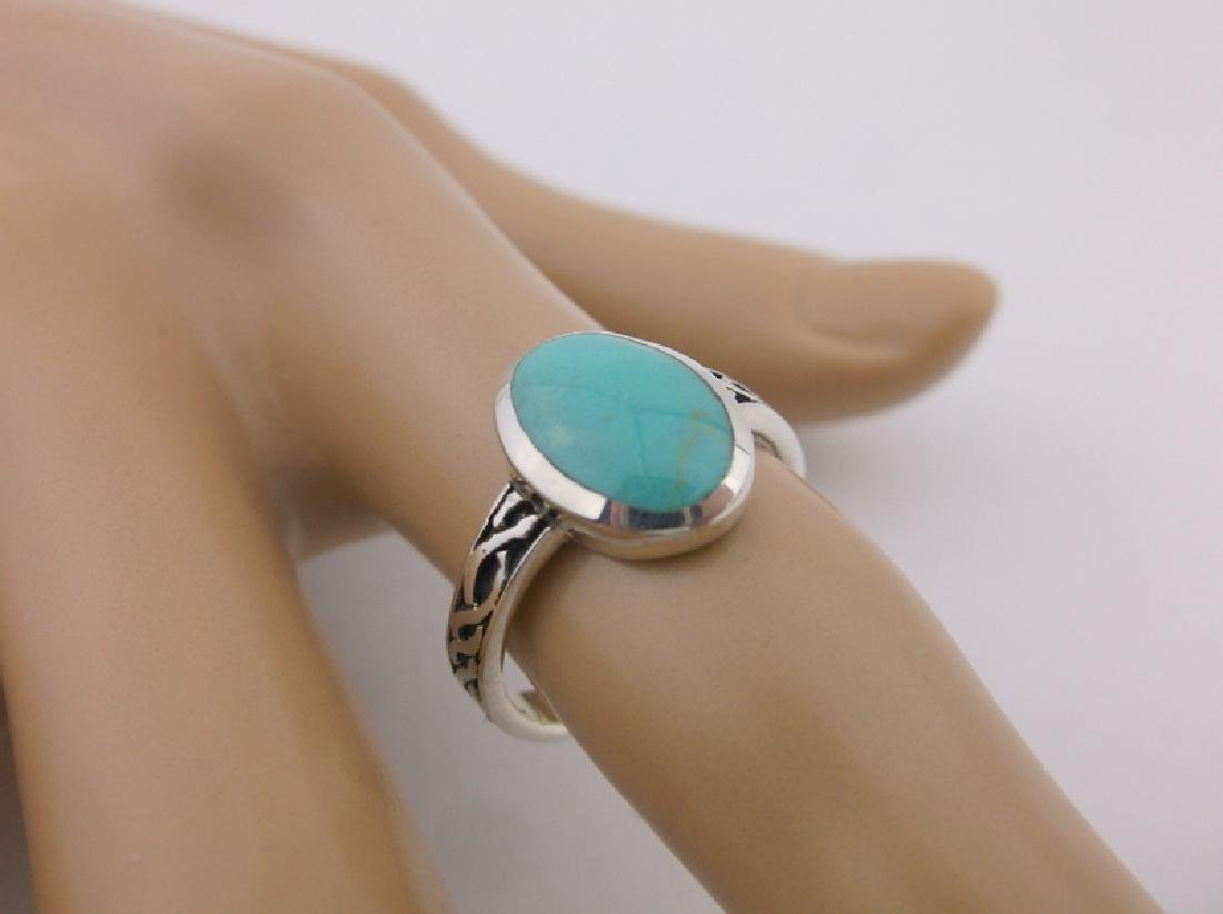 Stunning Sterling Silver Turquoise Ring 7