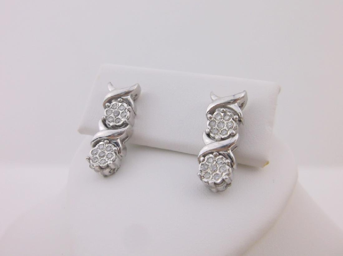 Gorgeous Sterling Silver Diamond Stud Earrings