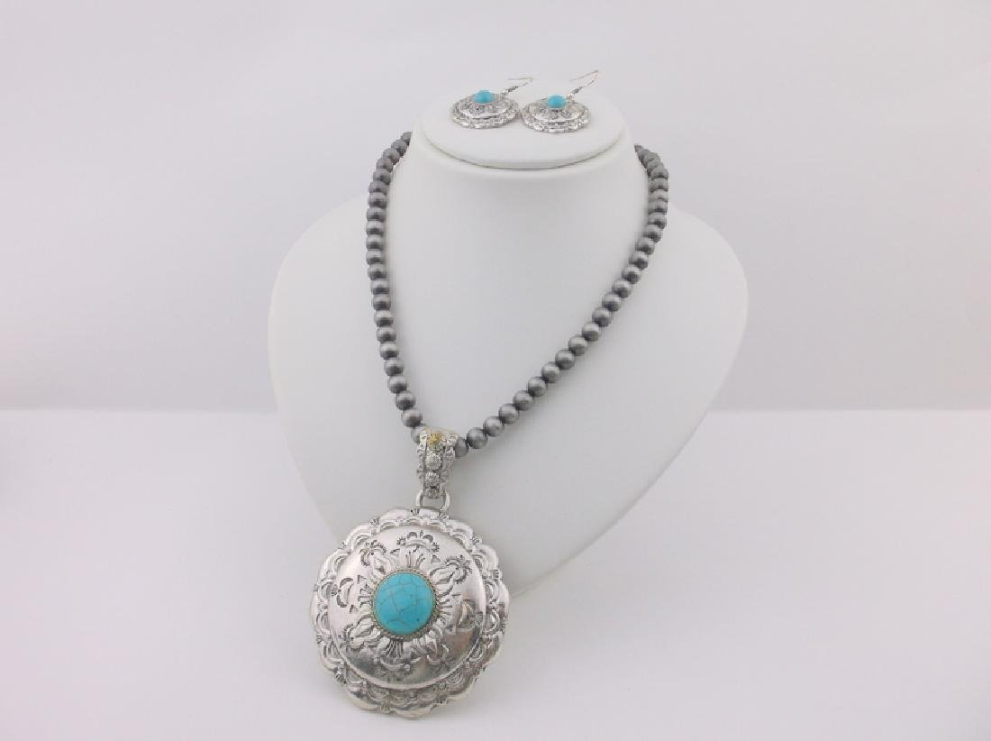 "Southwestern Turquoise Necklace & Earrings Set 36"""