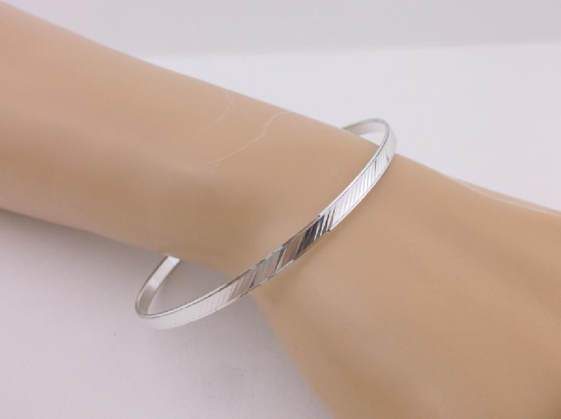 Stunning Sterling Silver Bangle Bracelet