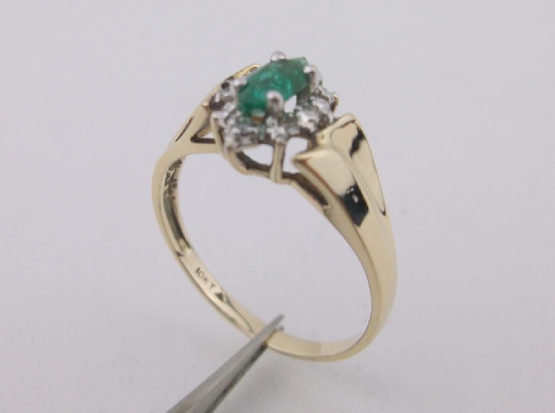 Stunning 10kt Gold Diamond Emerald Ring 6