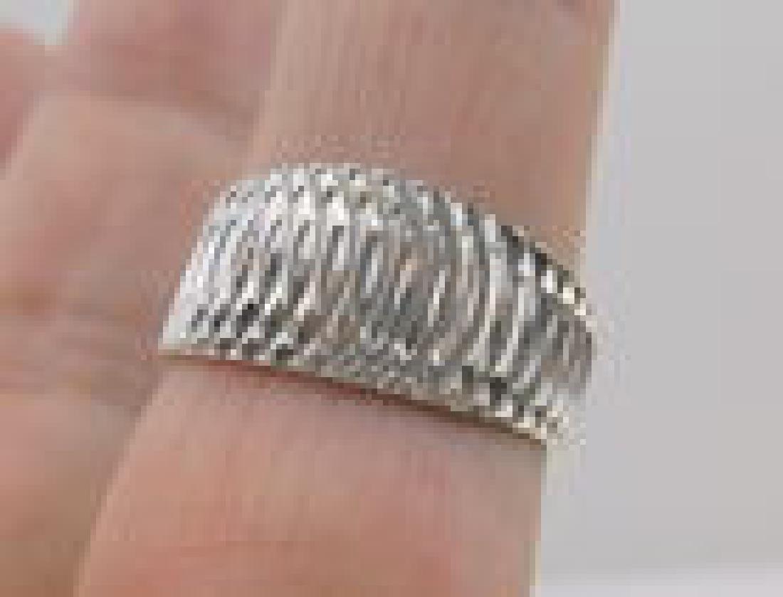 Stunning Heavy 10kt White Gold Design Ring 7
