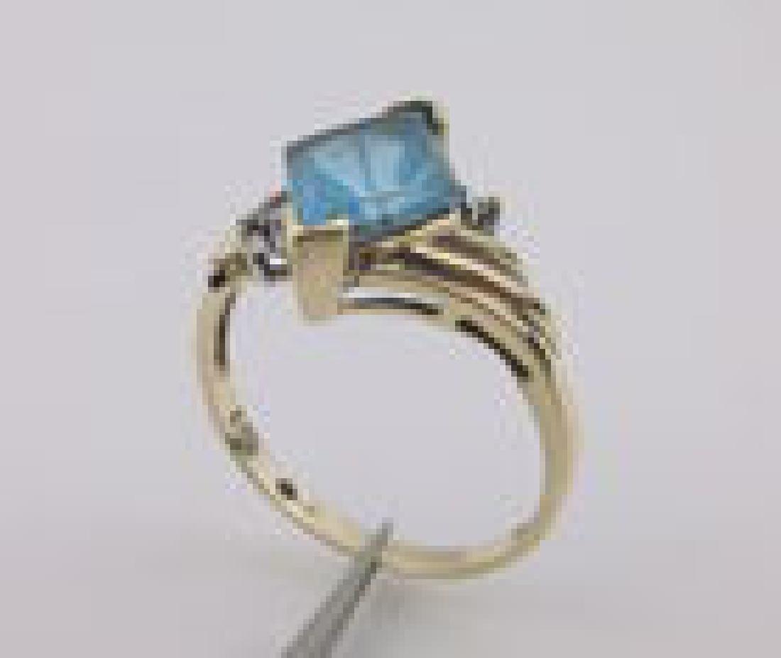Stunning Antique 10kt Gold Blue Topaz Ring 7