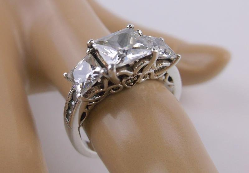 Stunning Sterling Silver Engagement Ring 6.75